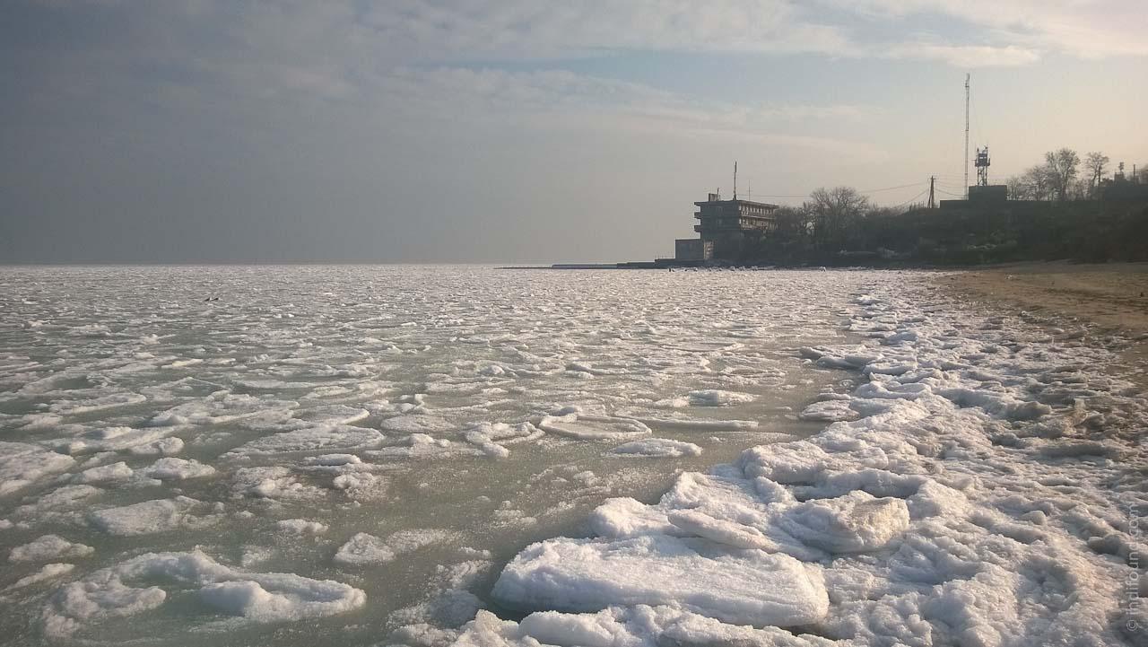 пресный лед в Одессе Черное море
